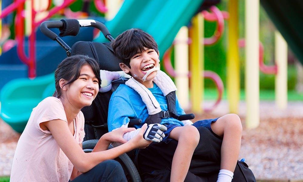 2 kids in park